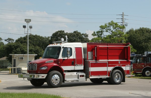 Commercial Dry Side PIC Single Axle Tanker