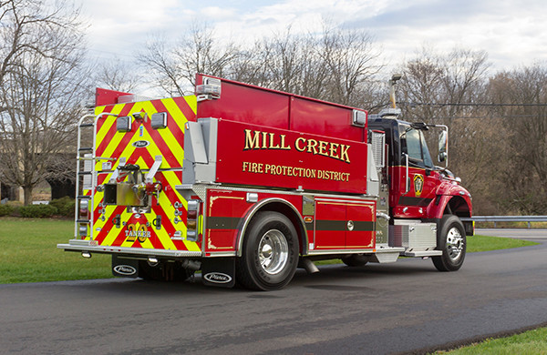 Mill Creek VFC - Pierce International Fire Truck Tanker - Passenger Rear