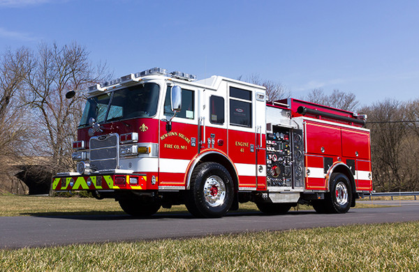 2016 Pierce Arrow XT pumper - fire engine - driver front