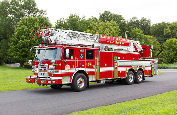 2016 Pierce Arrow XT - 105' heavy duty aerial ladder fire truck - driver front