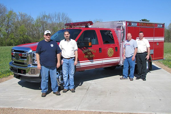 Pierce Ford F-550 fire squad unit - new fire squad sales in Pennsylvania - members of Finleyville with truck