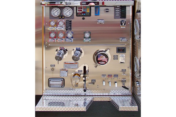 new Pierce commercial fire tanker - new fire apparatus sales in PA - pump panel