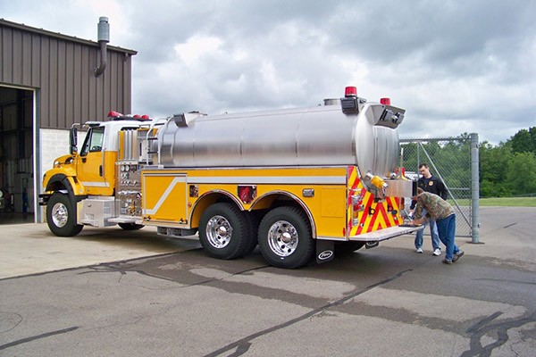 new Pierce commercial fire tanker - new fire apparatus sales in PA - driver rear