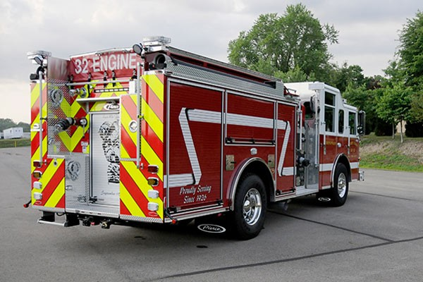 2012 Pierce saber fire engine pumper - new apparatus sales in PA - passenger rear