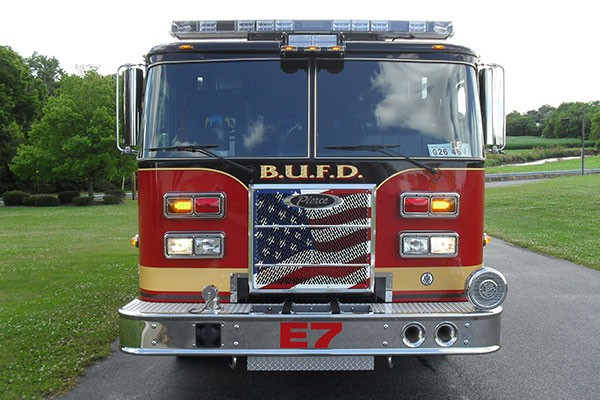 Pierce Saber fire engine pumper tanker - new fire apparatus sales in PA - front