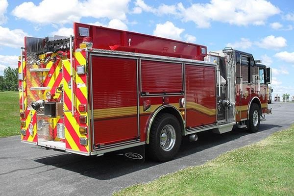 Pierce Saber fire engine pumper tanker - new fire apparatus sales in PA - passenger rear
