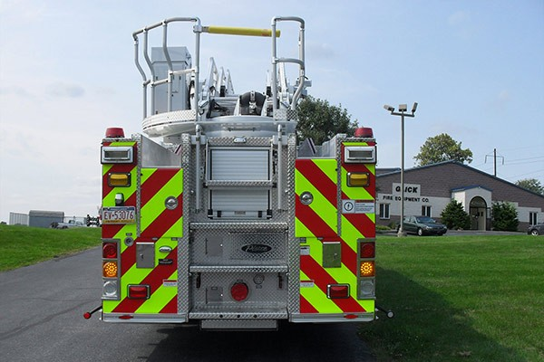 Pierce Arrow XT heavy duty aerial ladder fire truck - new aerial ladder fire truck sales in PA - rear