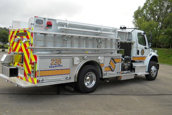 Pierce Freightliner fire engine - new commercial pumper sales in PA - passenger rear