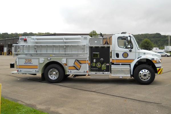 Pierce Freightliner fire engine - new commercial pumper sales in PA - passenger side