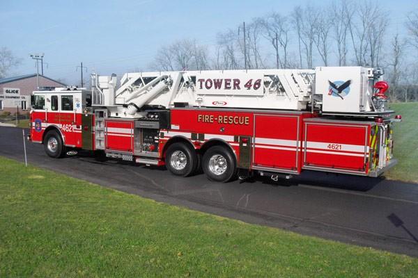 Pierce Arrow XT midmount platform fire truck - new mid-mount aerial sales in PA - driver rear