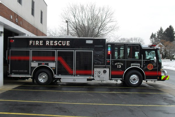 Pierce Dash fire engine pumper - new fire apparatus sales in Pennsylvania - passenger side