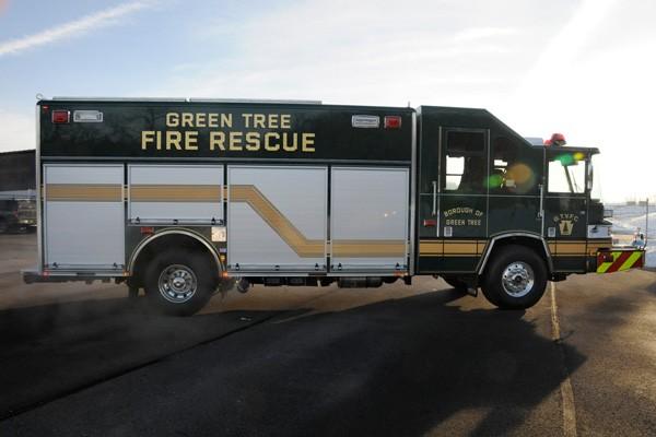Pierce Quantum rescue fire apparatus - new fire rescue truck sales in PA - passenger side