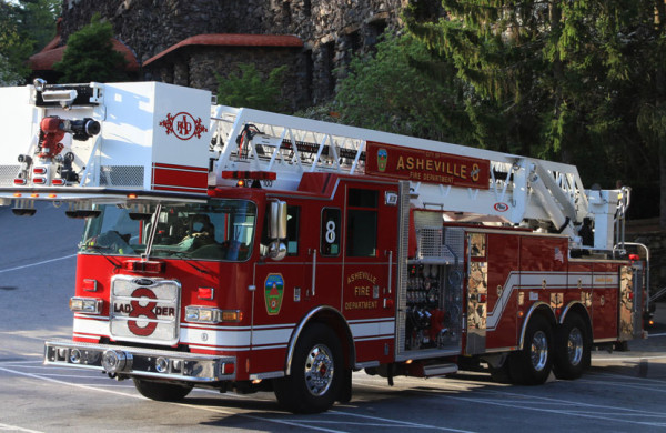 Pierce fire trucks - aerial platform truck - Pierce Chassis Arrow XT