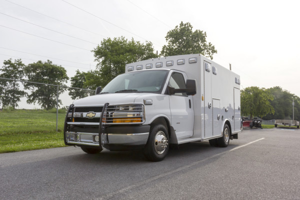 2015 Braun Signature Series Type III ambulance - Chevy G3500 - driver front