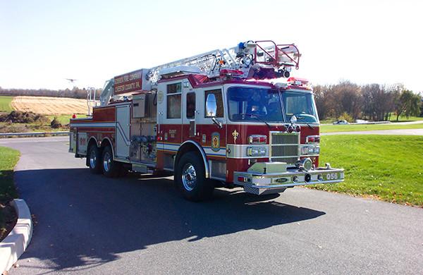 Pierce Dash 75' Ladder Aerial Fire Truck - Passenger Side Angle View
