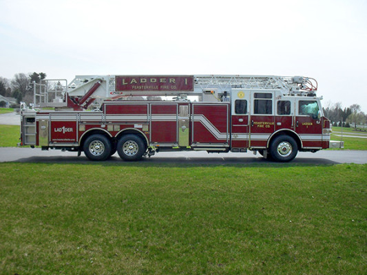 Pierce Velocity Heavy Duty Aerial - 105' Ladder Fire Truckd