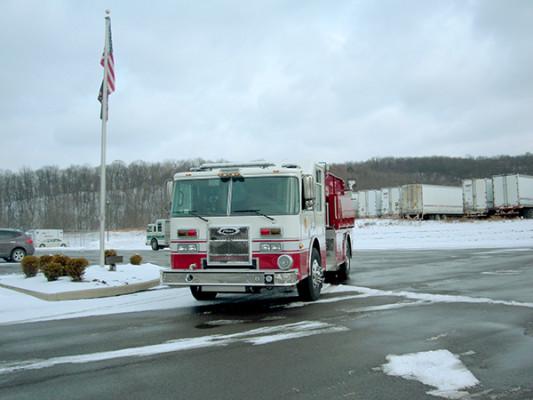 Pierce Contender Tanker - Fire Truck - Front