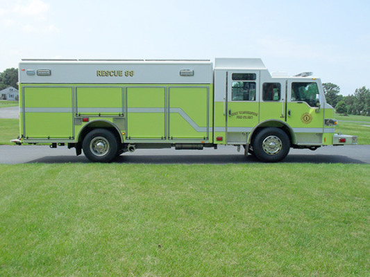 Pierce Impel Heavy Duty Rescue Truck - Non-Walk-In Rescue - Passenger Side