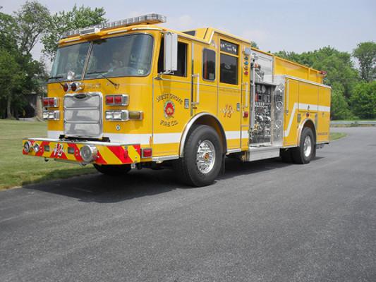 Pierce Arrow XT Pumper - Fire Engine - Driver Front