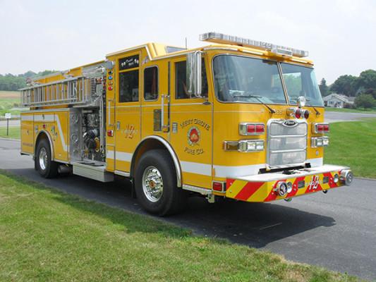 Pierce Arrow XT Pumper - Fire Engine - Passenger Front