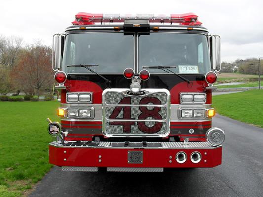 Hershey VFC - 2011 Pierce Arrow XT pumper - front