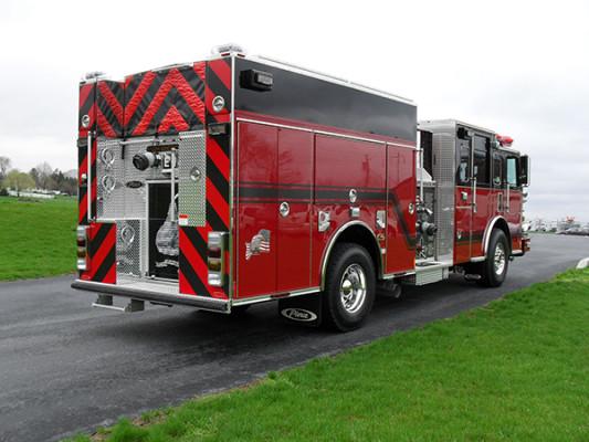 Hershey VFC - 2011 Pierce Arrow XT pumper - Passenger rear