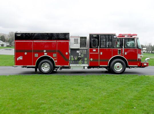 Hershey VFC - 2011 Pierce Arrow XT pumper - Passenger side