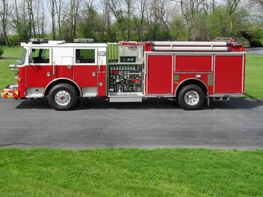 Blue Rock Fire Rescue - Pierce Arrow XT Pumper - Driver Side