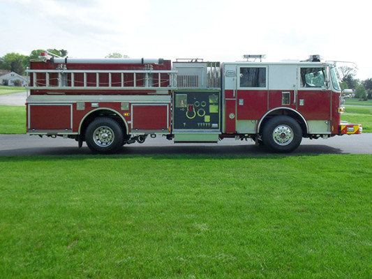 Blue Rock Fire Rescue - Pierce Arrow XT Pumper - Passenger Side