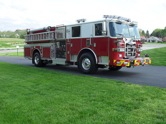 Blue Rock Fire Rescue - Pierce Arrow XT Pumper - Passenger Front