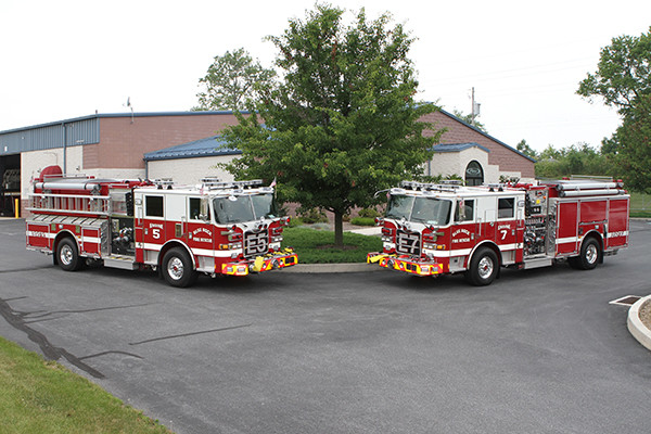 Blue Rock Fire Rescue - Twin Pierce Arrow XT Pumper Trucks