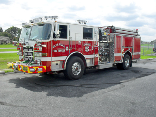 Blue Rock Fire Rescue - Engine 905 - Pierce Arrow XT Pumper Truck - Driver Front