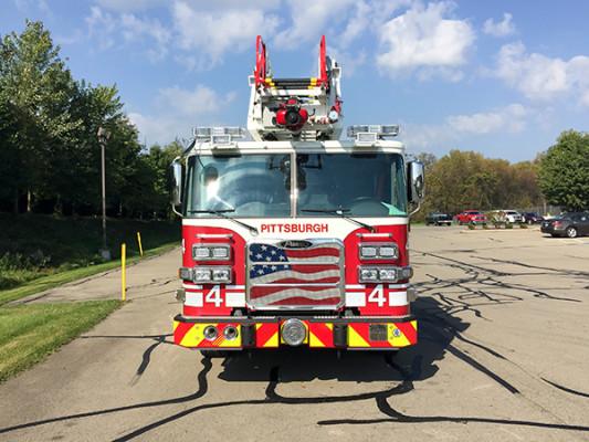 Pierce Arrow XT - 105' Heavy Duty Steel Aerial Ladder Fire Truck - Front