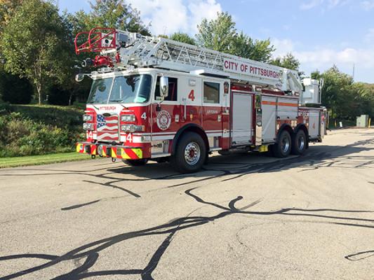 Pierce Arrow XT - 105' Heavy Duty Steel Aerial Ladder Fire Truck - Driver Front