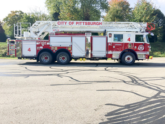 Pierce Arrow XT - 105' Heavy Duty Steel Aerial Ladder Fire Truck - Passenger Side