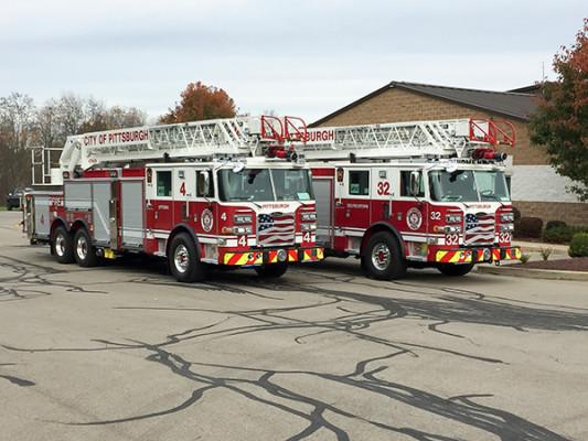 Pierce Arrow XT - 105' Heavy Duty Steel Aerial Ladder Fire Truck - Pittsburgh Twins