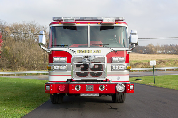 Pierce Arrow XT Pumper - Engine 139 - Front