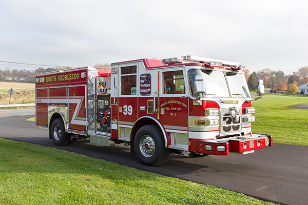 Pierce Arrow XT Pumper - Engine 139 - Passenger Front