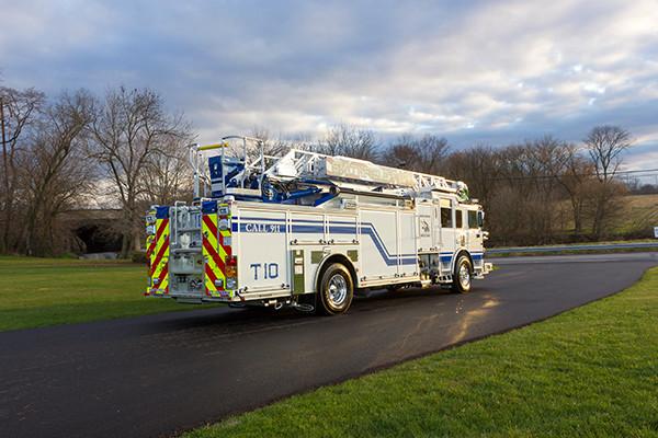 Pierce Arrow XT - 75' Aerial Ladder - Fire Truck 10 - Passenger Rear