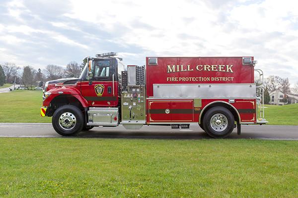 Mill Creek VFC - Pierce International Fire Truck Tanker - Driver Side