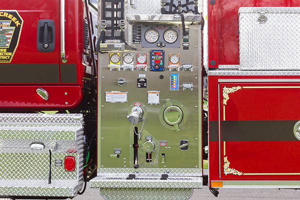 Mill Creek VFC - Pierce International Fire Truck Tanker - Pump Panel