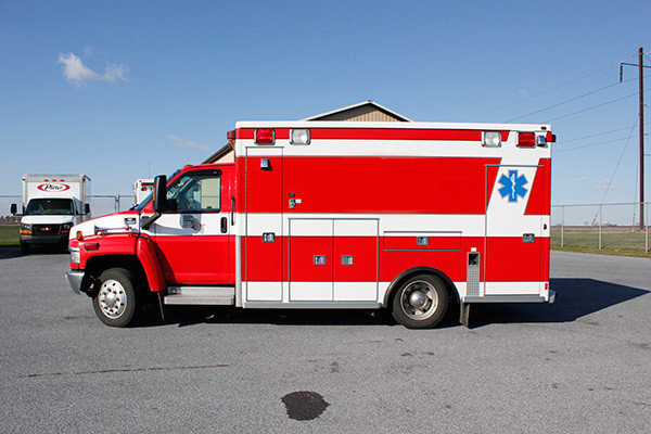 used 2006 Life Line medium duty ambulance for sale - driver side