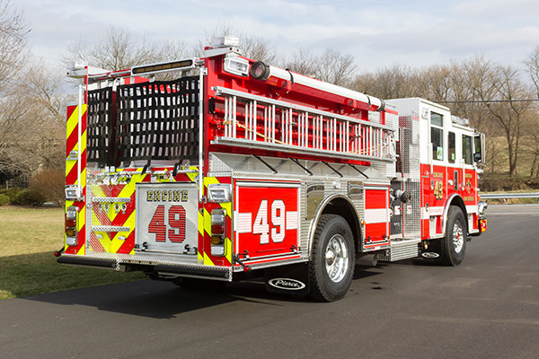 Swatara Twp - Pierce Arrow XT Pumper - Fire Engine - passenger rear