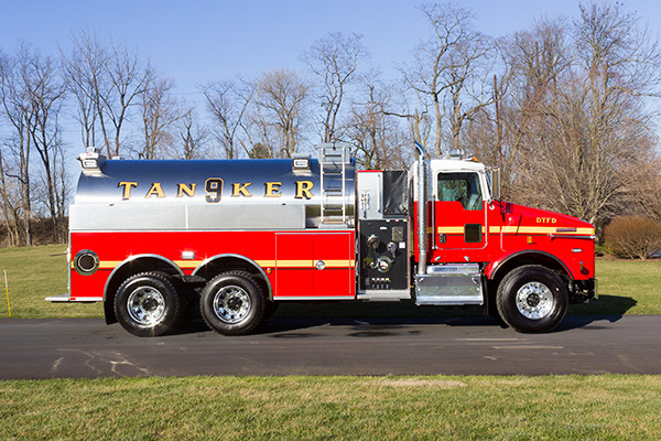Dover Twp. FD - Pierce Kenworth Commercial Tanker Fire Truck - passenger side