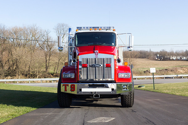 Dover Twp. FD - Pierce Kenworth Commercial Tanker Fire Truck - front