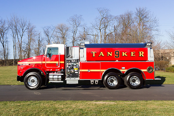 Dover Twp. FD - Pierce Kenworth Commercial Tanker Fire Truck - driver side