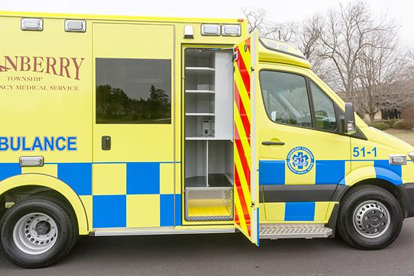 Cranberry Twp. EMS - Demers MX-152 Type III Ambulance - passenger compartment