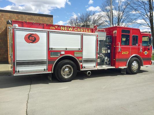 New Castle FD - Pierce Saber FR pumper - fire engine - passenger rear