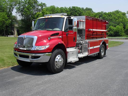 Fire Truck - 2011 Pierce International Dry Side Tanker - driver front