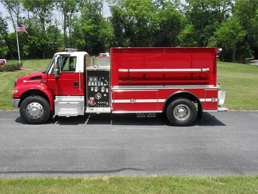 Fire Truck - 2011 Pierce International Dry Side Tanker - driver side